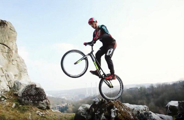 Nicolas Vallée Jitsie Varial Team Trials