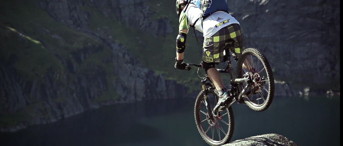 Norway Mountain Biking Lofoten Island