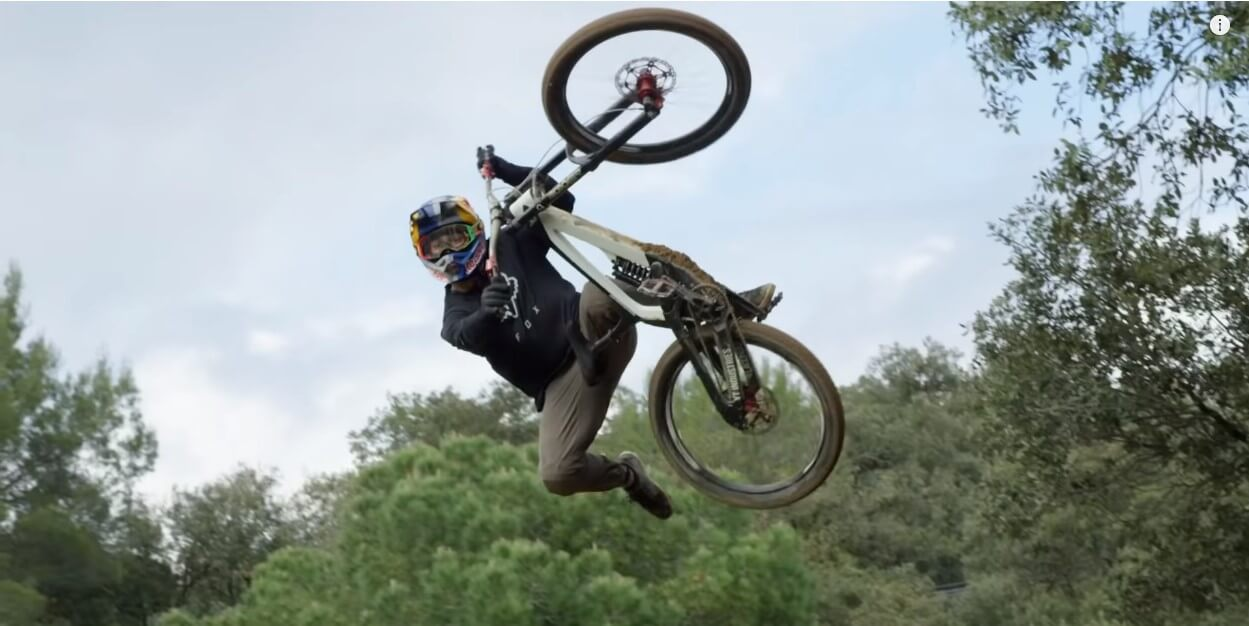 Watch | Training at Andreu Lacondeguy Freeride Compound Laconyard