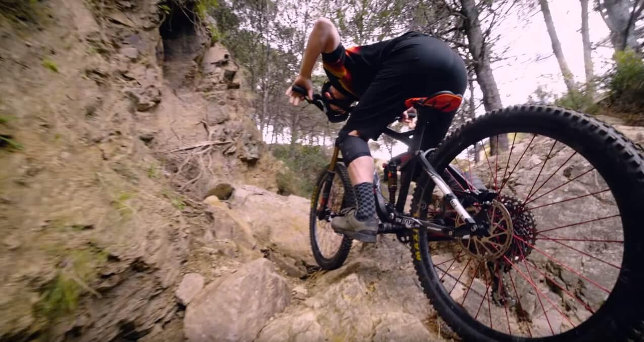 MTB Technical Climbing: Chris Akrigg puts on a Master Class