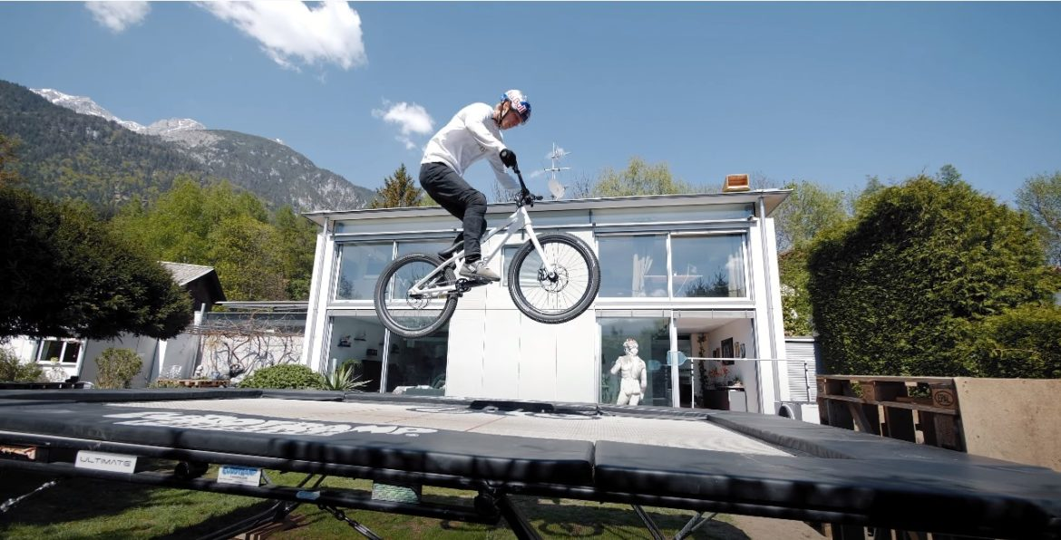 Video: Fabio Wibmer Home Office Riding film gets creative stuck at Home