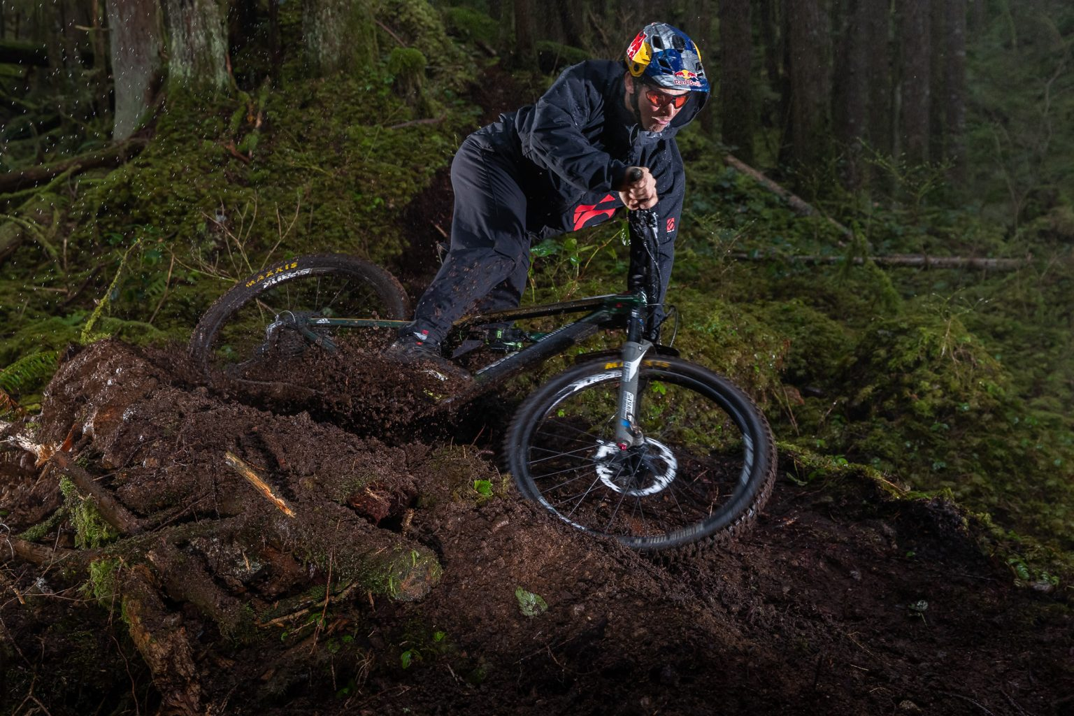 Press Release: Five Ten introduces the new Trailcross GTX - The ultimate wet weather riding shoe